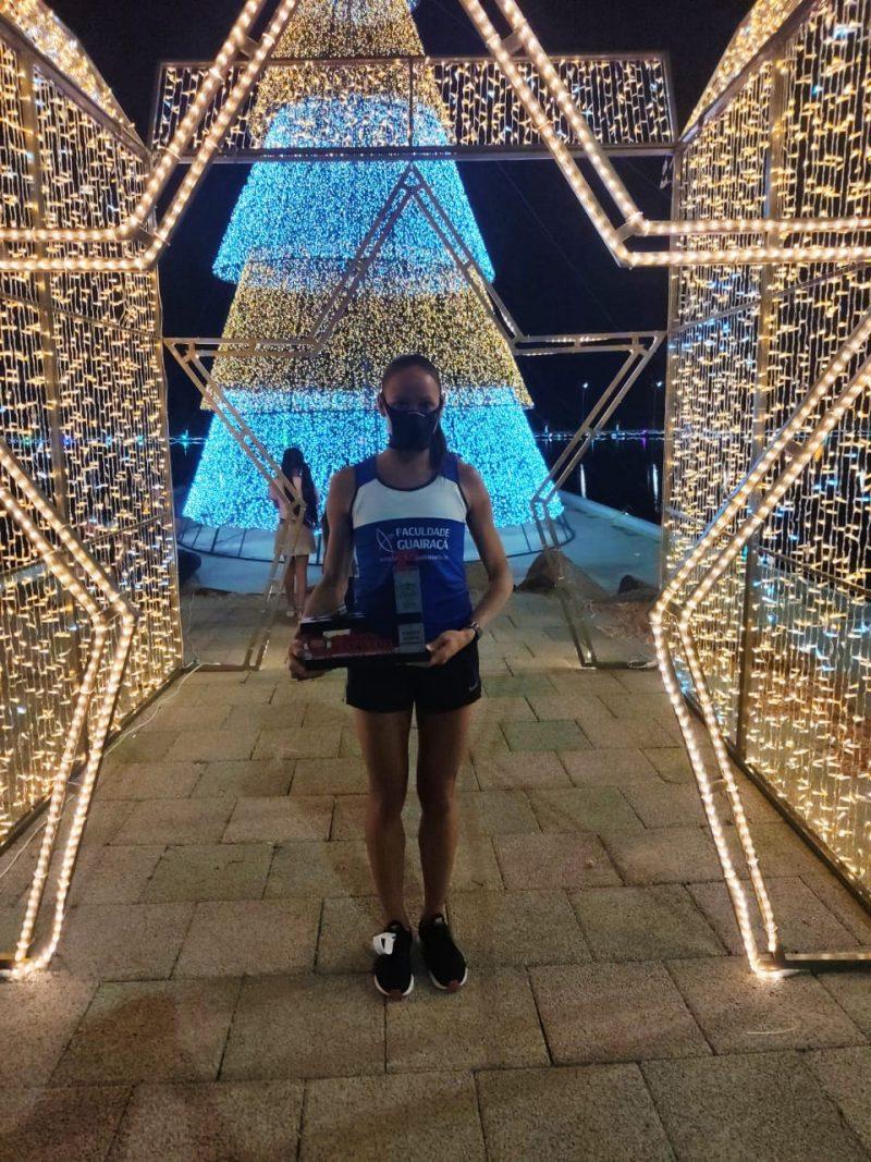 Atleta da UniGuairacá, Tatiane Silva vence na 1ª Night Run