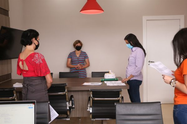 UniGuairacá realiza Colação de Grau em gabinete